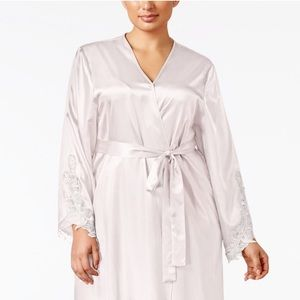Satin Stella ivory long robe
